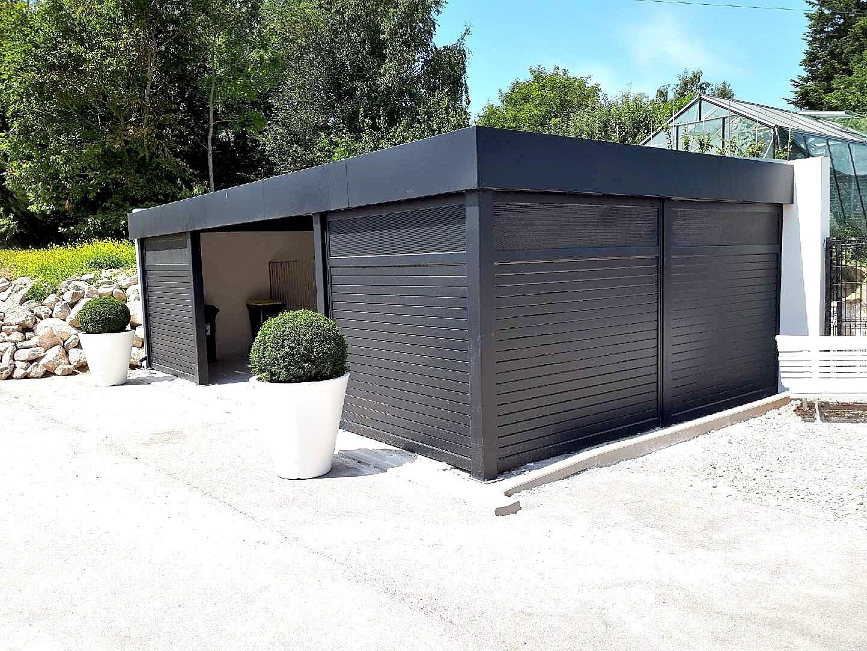 Carport isolé bandeau Horizon avec brise-vues mix Auteuil et tôle perforée