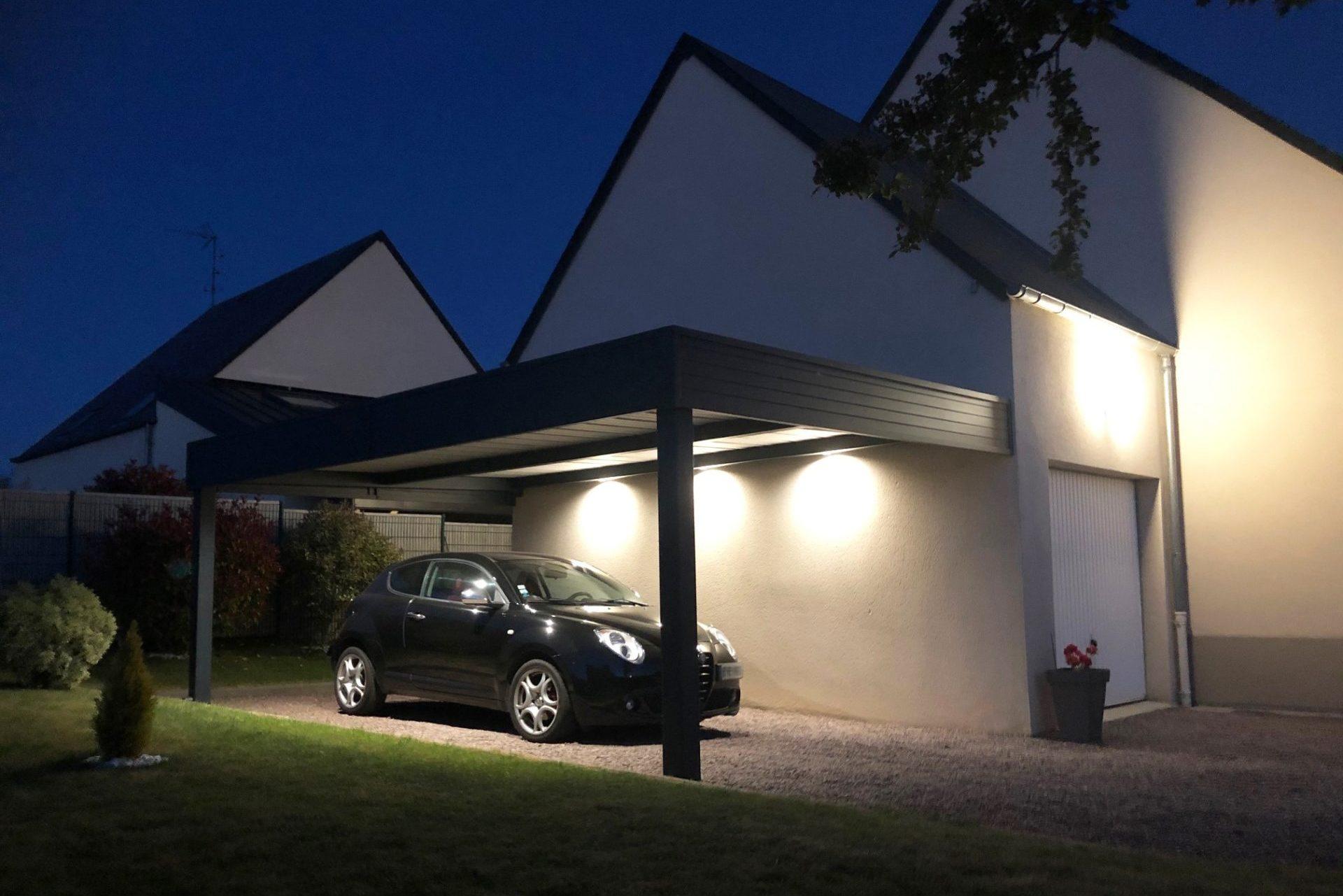CARPORT ADOSSE AUTEUIL POTEAUX SPOTS LED
